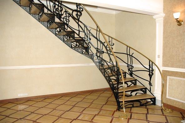 лестница в доме 2