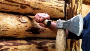 Причина конопатки деревянных домов