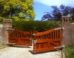 Деревянные створки ворот