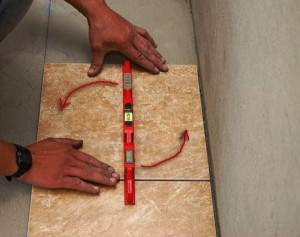 Выравнивание плитки на полу